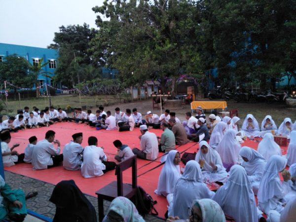 Kegiatan Buka Bersama Siswa Siswa beserta Santunan Anak Yatim dan Dhuafa